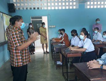 วันที่ 15 มิถุนายน 2564 ต้อนรับคณะกรรมการ การนิเทศ ติดตามเตรียมความพร้อมก่อนเปิด  ภาคเรียนที่ 1 ปีการศึกษา 2564 และการดำเนินการจัดทำแผนปฏิบัติการของโรงเรียน ในสถานการณ์การแพร่ระบาดของโรคติดเชื้อไวรัส โคโรนา 2019  โดยมีท่านธีรสิทธ์ สวัสดิ์ รอง ผอ.สพม.อบอจ เป็นประธาน